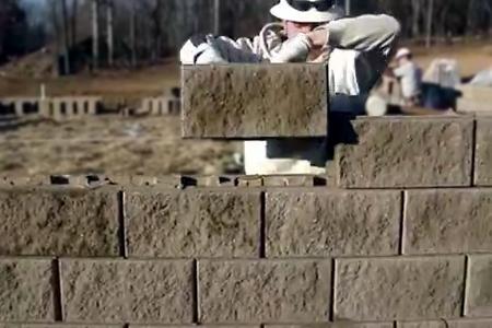 кладка сплиттерных блоков