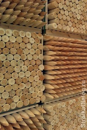 готовые деревянные столбы
