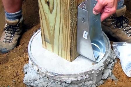 монтаж деревянного столба