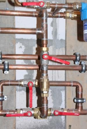 трубы из меди часто используют при устройстве водопровода